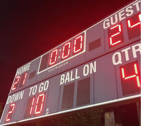 OH Football Team Stays Undefeated with 24-21 Win over West Boca