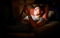 Social Media Obsession Can Lead to Depression for Teens
