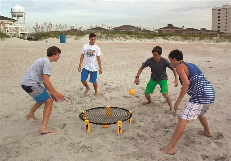 First+introduced+in+2015%2C+Spikeball+has+made+a++reemergence+and+is+sweeping+the+nation.++